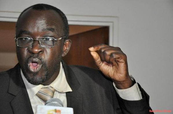 """Moustapha Cissé Lô : """"Plus de 90% des Sénégalais vivent de l'argent sale"""""""