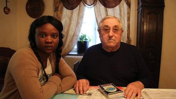 Teuss - La préfecture de Mayenne doute de la sincérité de son mariage d'avec ce viel homme: cette Sénégalaise de 25 ans risque d'être expulsée de la France