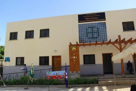 L'Archevêque de Dakar inaugure la « Maison Scoute Cardinal Hyacinthe Thiandoum »