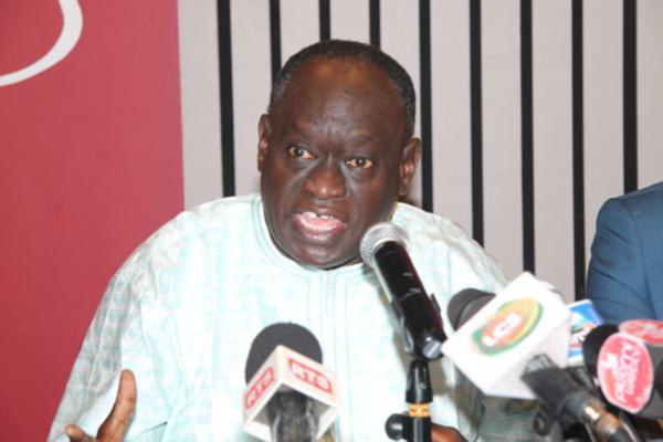 """Vidéo-Me El Hadji Diouf : """"Il faut que le Président Macky Sall libère Karim Wade"""""""