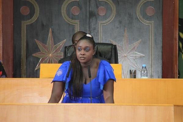 Insolite à l'Assemblée nationale : Quand Fatou Thiam se fait acclamer par les députés de la majorité