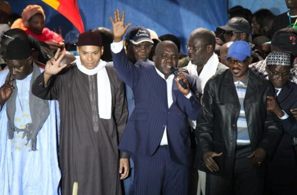 Concertation sur les reformes constitutionnelles: Le Pds pose comme préalable la libération de Karim et Oumar Sarr