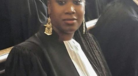 Le tribunal bloqué : Une avocate mise aux arrêts, ses confrères boudent
