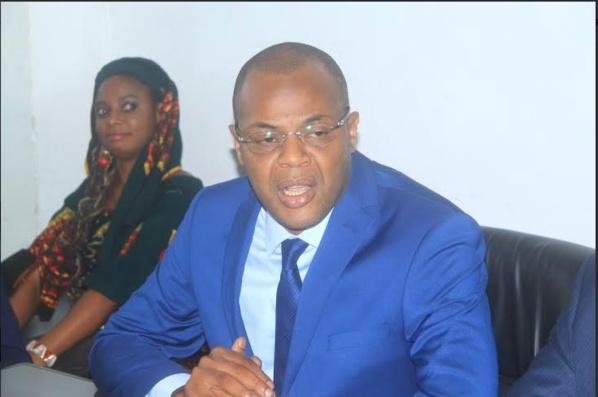 Double nationalité Me Wade : Le  ministre Mame Mbaye Niang parle de parjure et  demande  à la Justice de s'auto-saisir