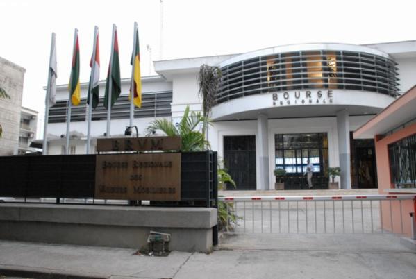 BRVM: 4,58 milliards de FCFA de transactions à la clôture