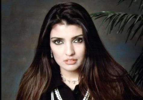 """""""Nous devrions avoir honte"""": Cette jeune femme règle ses comptes avec le monde musulman"""