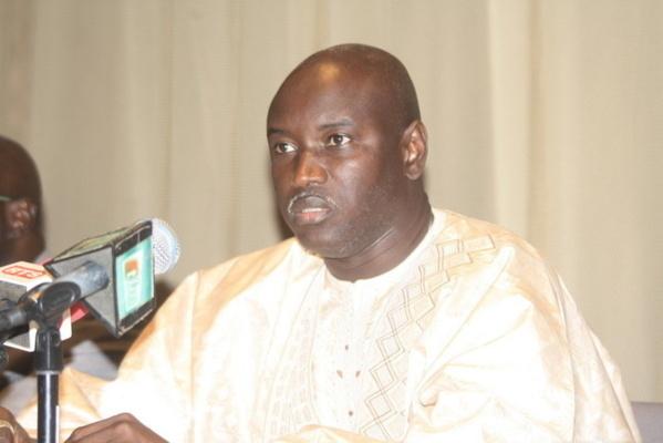 """Aly Ngouille Ndiaye : """"Gardez le bulletin du Non pour le concert de Youssou Ndour"""""""