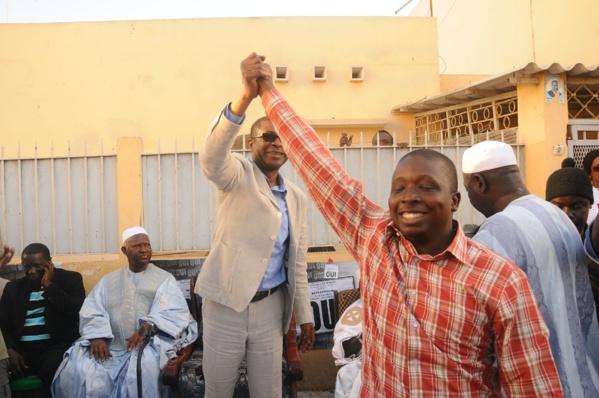 """Référendum: Les jeunes de Fekké Ma Ci Boolé derrière Pédre Ndiaye disent """"Oui"""" à Youssou Ndour"""