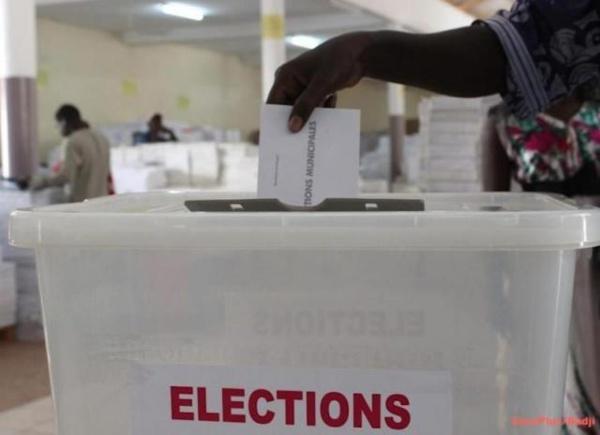 Maroc :  Neuf bureaux de vote ouverts dans cinq villes