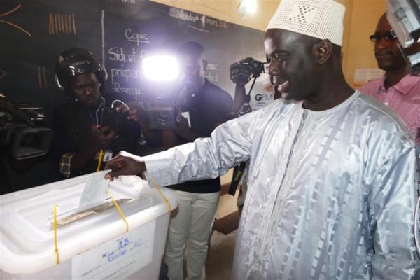 A l'école 16 : Malick Gackou gagne dans son bureau de vote