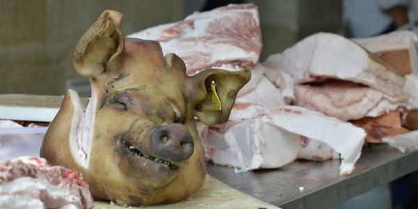France : deux têtes de porc découvertes sur les grilles de la résidence de l'ambassadeur du Maroc