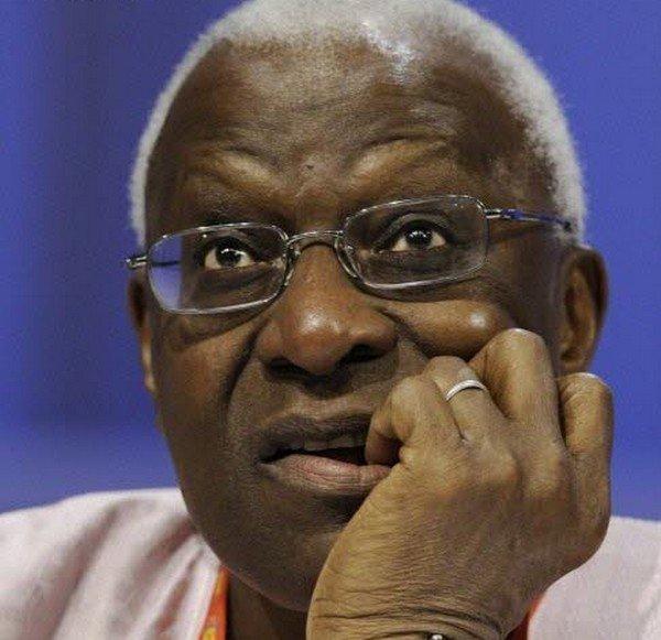 France : Lamine Diack ne bougera pas de Paris tant que son fils, Massata ne se rend pas
