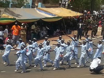 4 Avril 2016 - Innovation à Tambacounda : Des Talibés ont défilé...