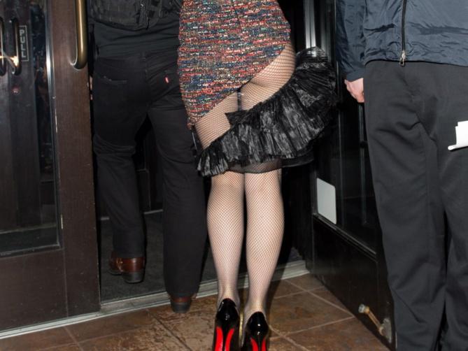 PHOTOS : Gwen Stefani sort les fesses à l'air