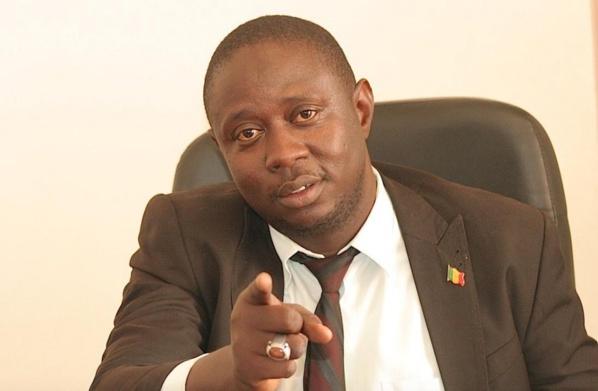"Abdoulaye Khouma à Seydina Ababacar Ndiaye et au Pr Malick Ndiaye : ""Un SG du Saes qui veut remplacer Macky Sall et un prof qui avoue sa folie"""