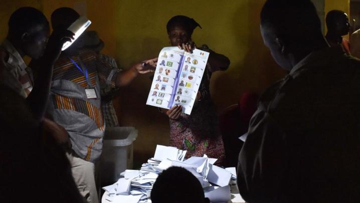 Présidentielle au Tchad: dépouillement en cours, l'opposition conteste