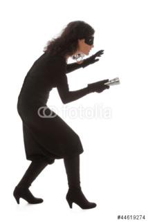 Cette femme est une voleuse, mais elle ne sait pas pourquoi elle vole… (audio)