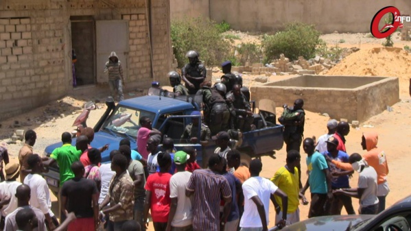 Vidéo-Affrontements à Ouakam: Les gendarmes ont eu chaud. Regardez!