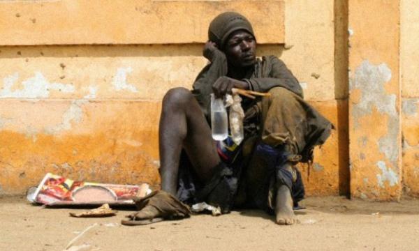 Louga – Un malade mental tue deux personnes