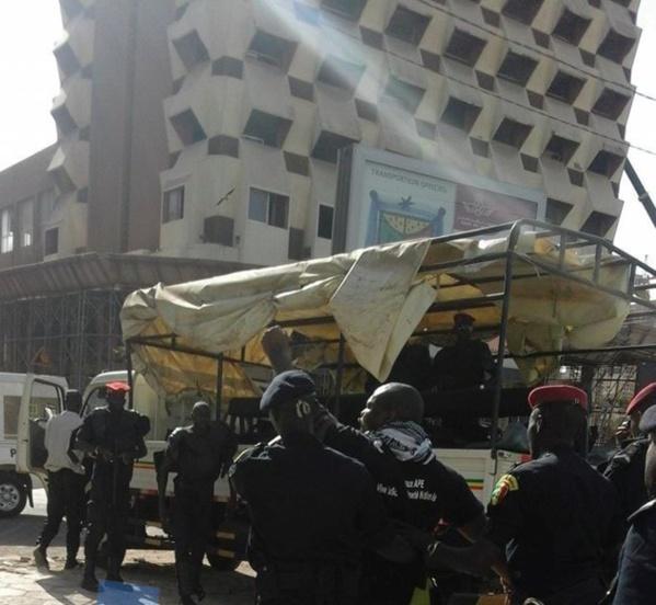 Dernière minute : Le leader de la coalition Non aux APE et 2 autres membres arrêtés manu-militari