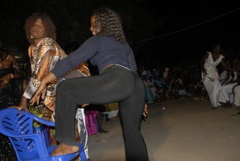 « Au Sénégal, la danse obscène pose un problème »
