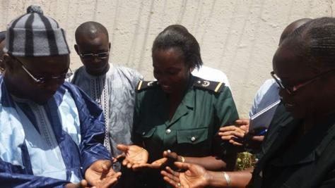 """Magal """"Kazu Rajab"""" 2016 - La famille de Serigne Fallou Mbacké apporte une assistance aux détenus du Camp Pénal de Liberté 6"""