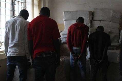 Serie de cambriolages en plein jour: Plus de 300 millions emportés par le gang des faux policiers