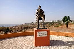 Corniche Ouest : Des inconnus vandalisent la statue du Président Léopold Sédar Senghor !