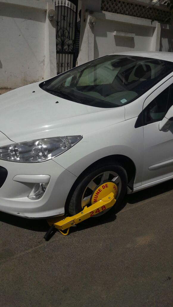 La mairie de Ouakam pose des sabots sur des voitures garées devant le domicile de leurs propriétaires