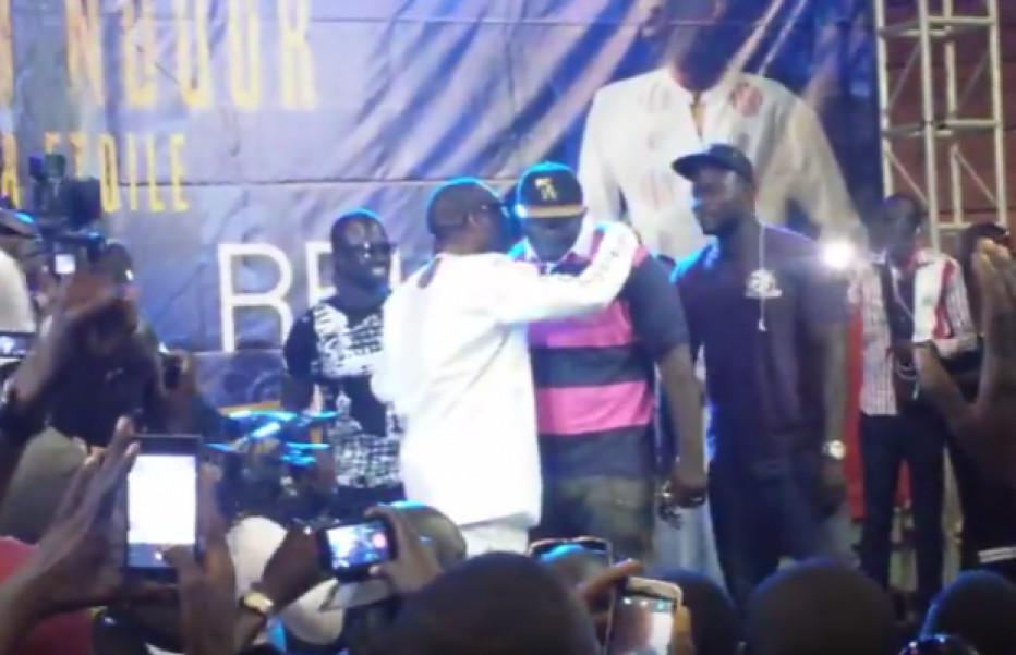 Vidéo - Balla Gaye 2 met le feu à la séance de dédicaces de You à Marius Ndiaye