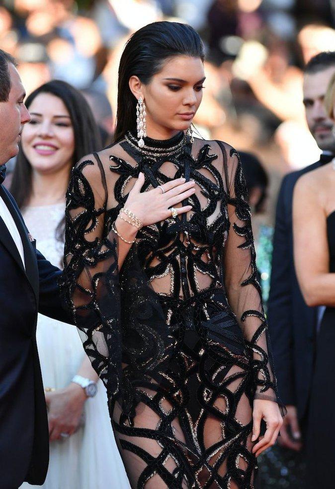 Photos - Cannes 2016 : Kendall Jenner, divine, envoûte la croisette avec sa nouvelle robe !