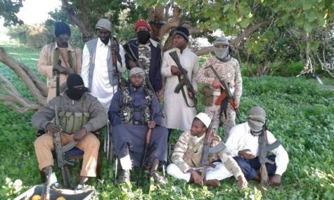 La colonie sénégalaise de Syrte avec son émir Abu Hatem en chaise roulante au milieu