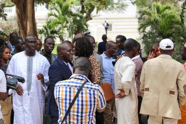 Vidéo. Dialogue national : Le Président Macky Sall fait rire toute la salle, il traduit de Poular en Wolof