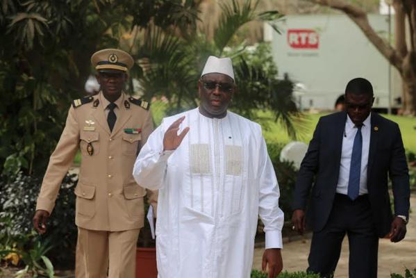 Me El Hadji Diouf à Macky Sall: «Libérez votre frère Karim, doula wagni dara !»