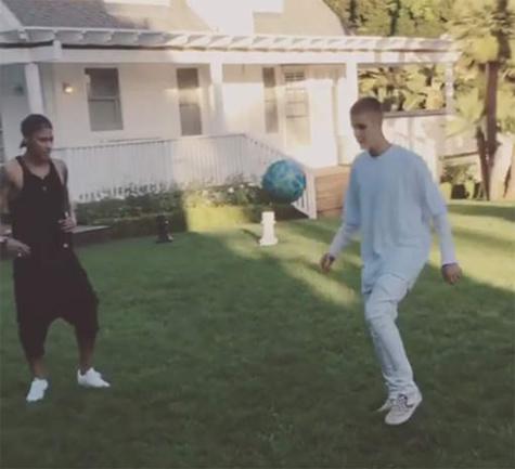 La partie de foot entre Neymar et Justin Bieber
