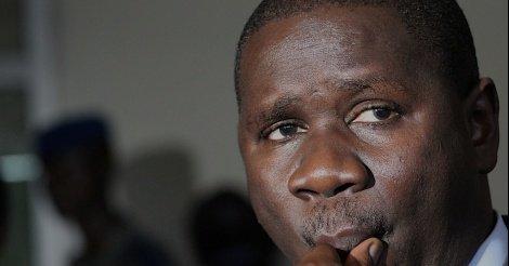 Oumar Youm enfonce Macky