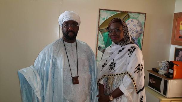 "Cherif Cheikh Sidyl Khairy Ibn Boun Nana Aidara visite les studios de ""Fem FM"""