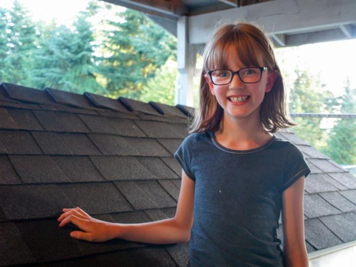 À 9 ans seulement, cette fillette construit des abris pour les SDF !