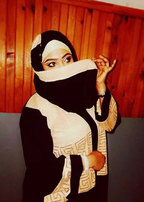 Aicha Diouf de la 2Stv très fashion  en tenue orientale