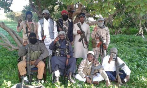 des djihadistes sénégalais posant à Syrte