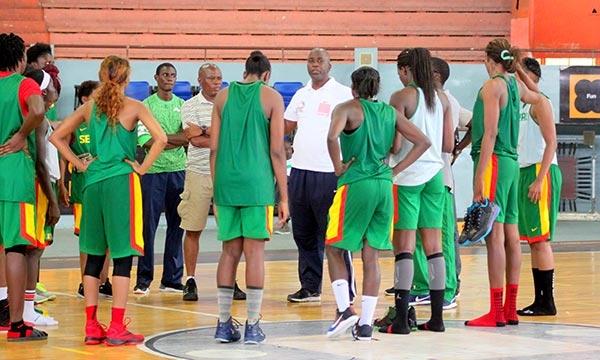 Jo de Rio, Pré-liste des Lionnes du basket : La Mène et les Arrières, équation de coach Tapha