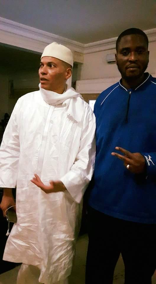 Première image de Karim Wade après sa sortie de prison (chez Me Madické Niang)
