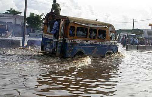 Lutte contre les inondations: 900 millions disponibles pour les mesures préventives (officiel)