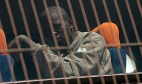 """Encore un """"Boy Jinné"""" ! Le nommé Amadou Diop, alpagué pour association de malfaiteurs , réussit à s'évader...au tribunal de Dakar"""