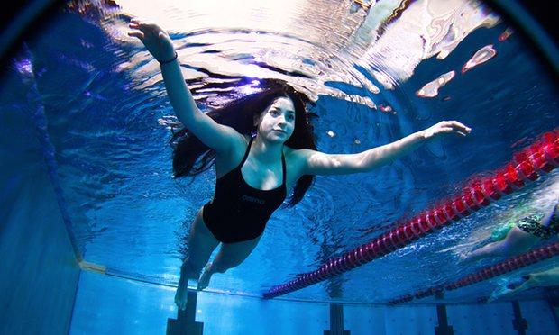Après avoir sauvé 18 personnes de la noyade lors du naufrage de leur embarcation de fortune, une réfugiée Syrienne participera... Au 200 mètres nage libre des Jeux Olympiques de Rio !