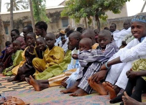 Vol dans un lieu de culte : Oustaz Serigne Mbaye Ndiaye soustrayait les téléphones des fidèles le jour de la Korité