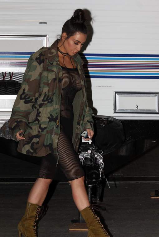 Kim Kardashian oublie ses habits