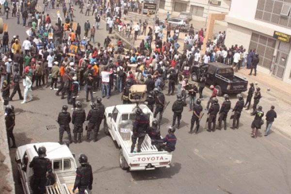 Polémique autour des cantines érigées à côté de l'hôpital de Pikine : Le Sutsas exige l'arrêt des travaux et la démolition du marché
