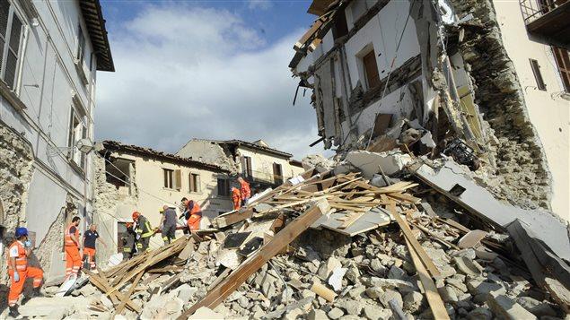 Séisme en Italie: une cinquantaine de morts, nouvelle secousse à Pérouse