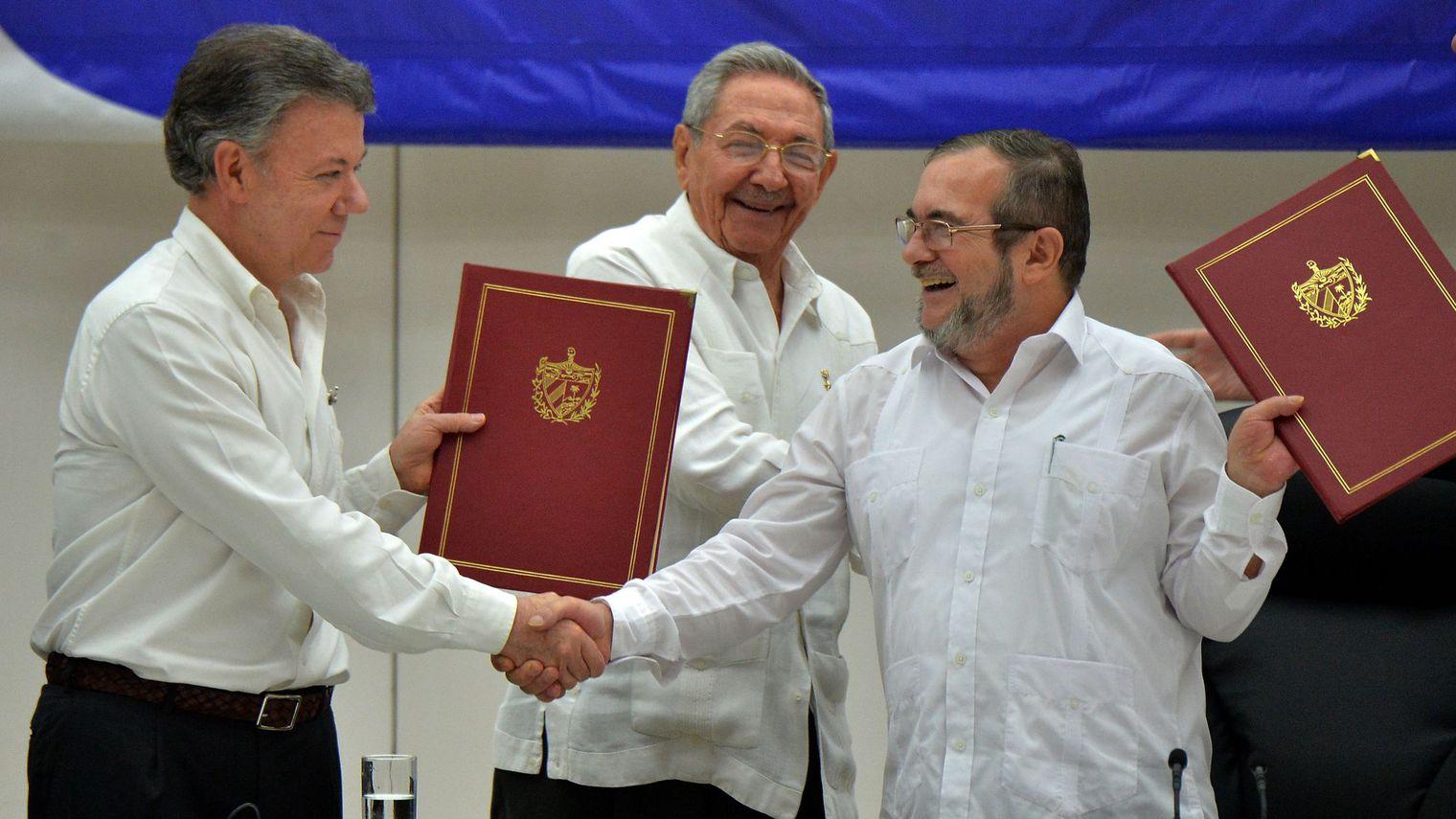 Colombie: Un cessez- le feu entre le gouvernement et les FARC met fin à  cinquante-deux ans de conflit armé